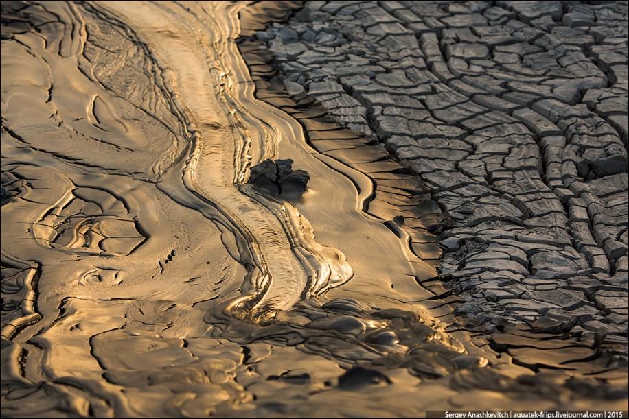 Mud volcanoes of Gobustan 14