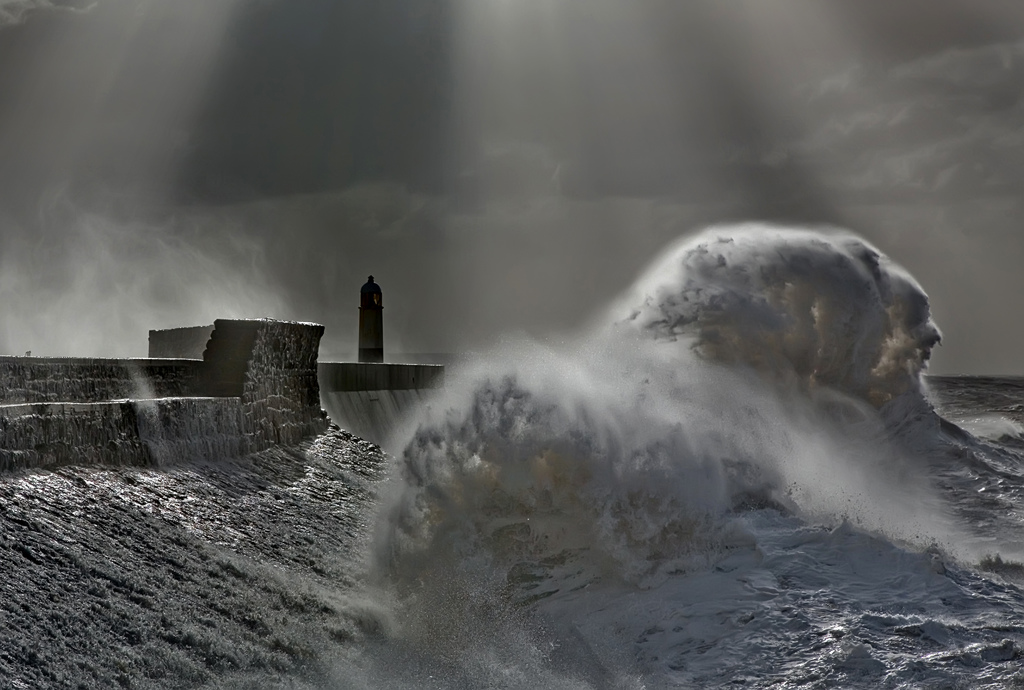 Photos of storms at Porthcawl 01
