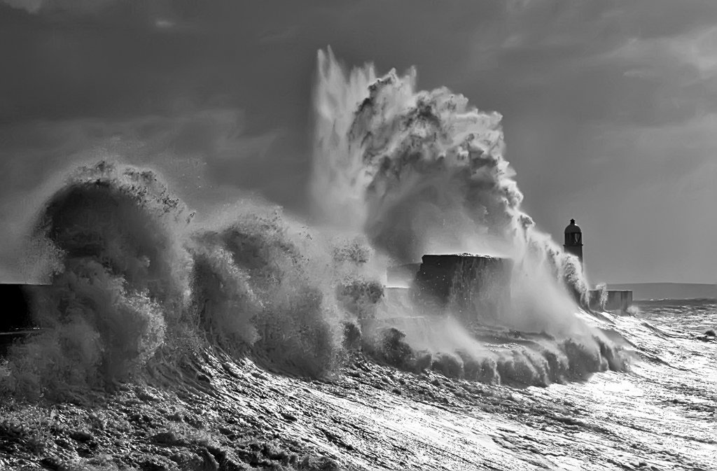 Photos of storms at Porthcawl 02