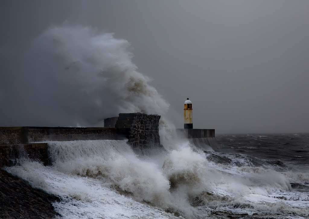 Photos of storms at Porthcawl 04