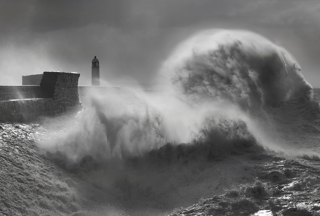 Photos of storms at Porthcawl 06