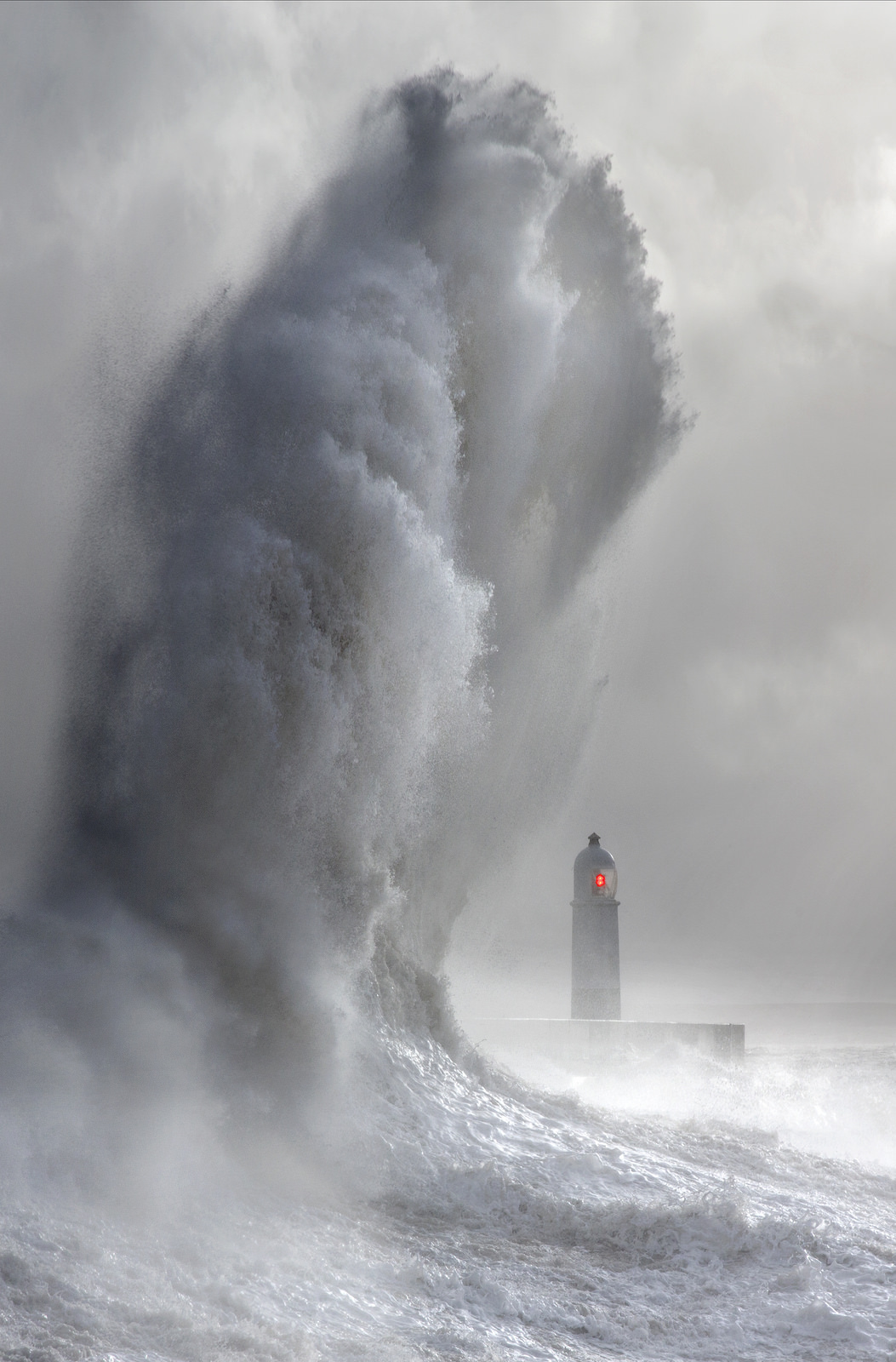 Photos of storms at Porthcawl 09