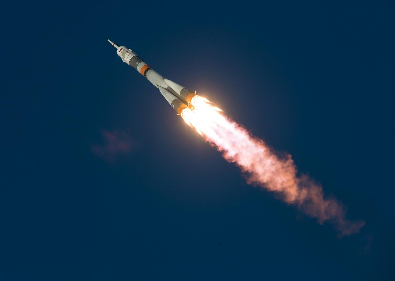 Start of spacecraft Soyuz TMA-19M 01
