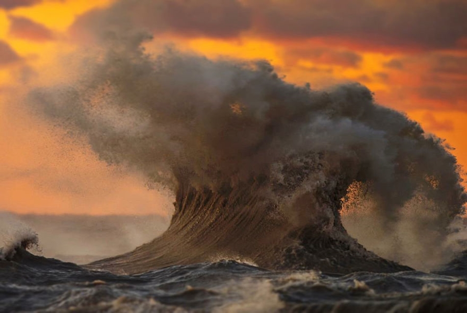 The fury of the waves in the photo Dave Sandford 06