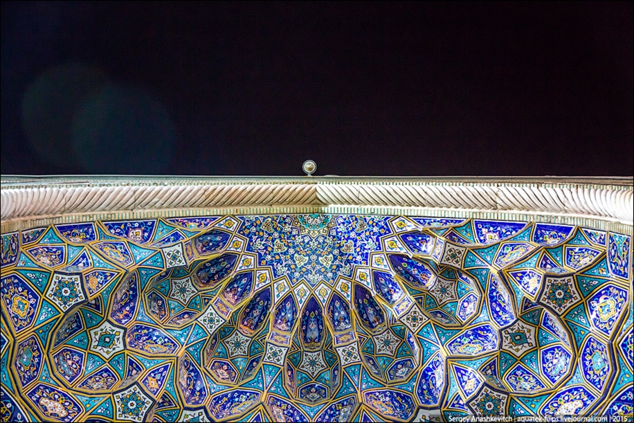 The mausoleum of Shah cheragh in Shiraz Iran 03