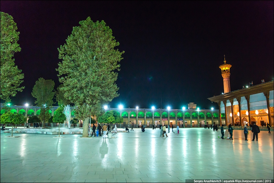 The mausoleum of Shah cheragh in Shiraz Iran 07