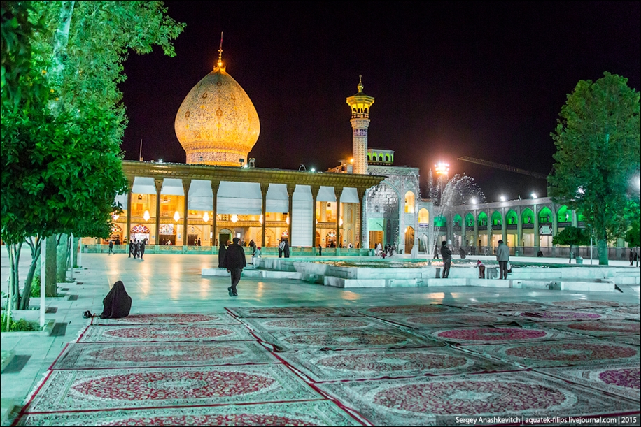 The mausoleum of Shah cheragh in Shiraz Iran 08