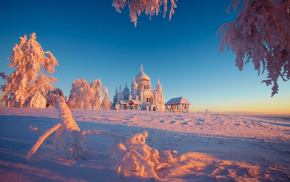 Winter in Russia is harsh and incredibly beautiful 06