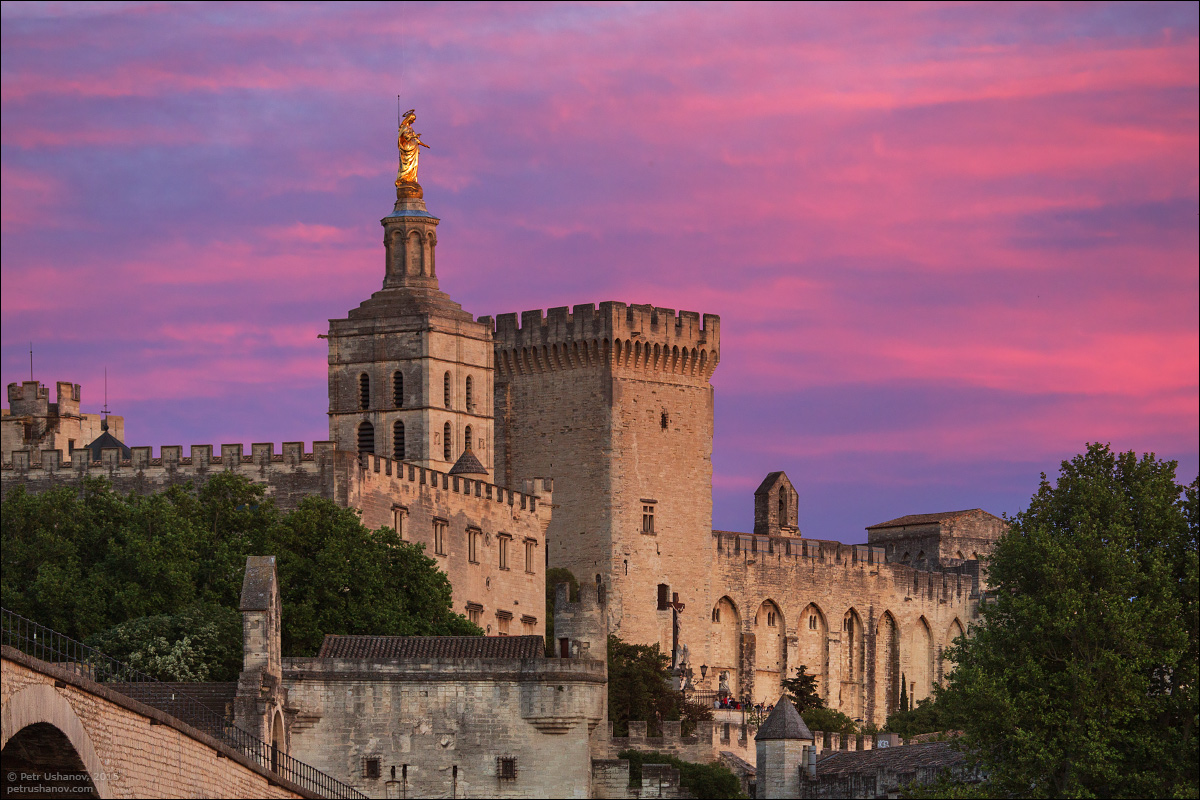 Avignon - the papal Palace About two and a sunset 08