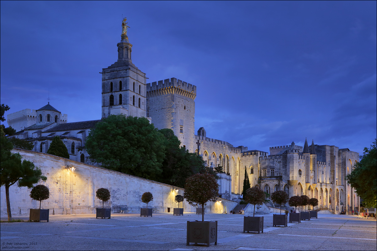 Avignon - the papal Palace About two and a sunset 17