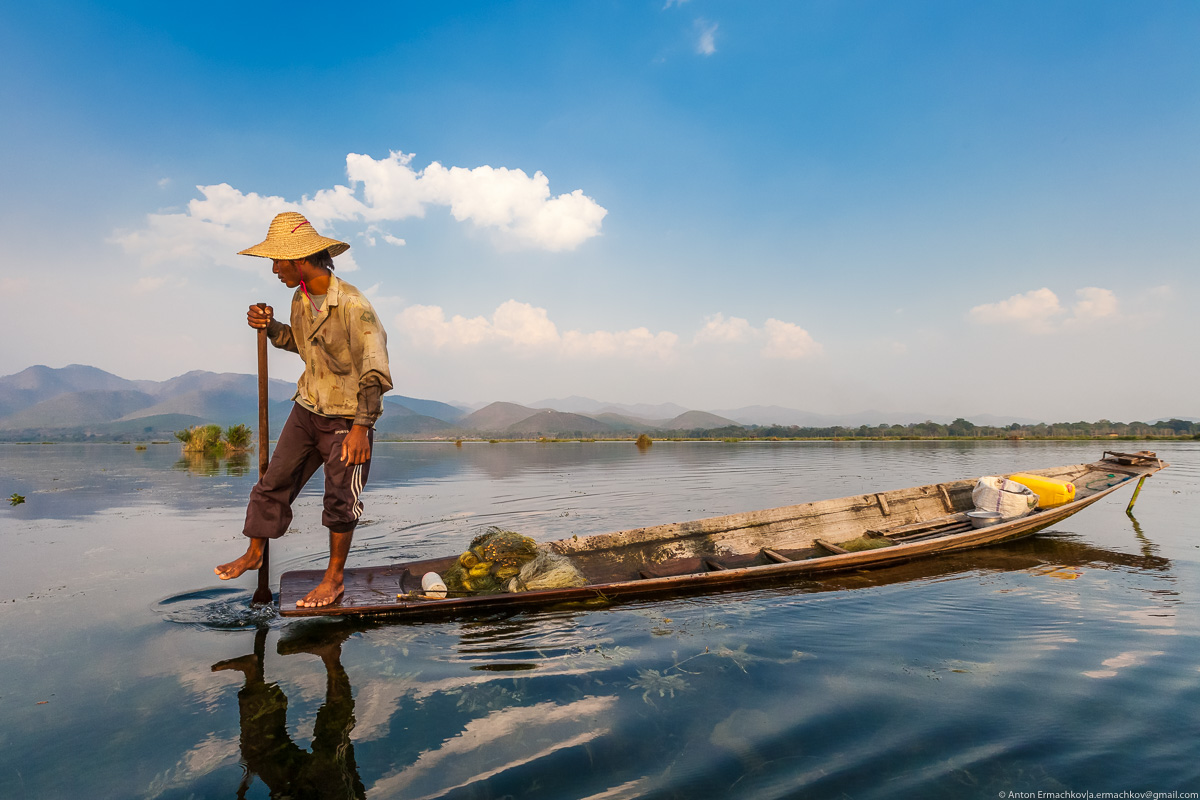 Burma. The fishermen of Inle lake 01