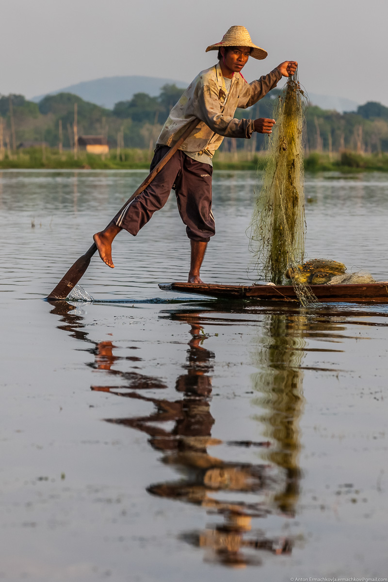 Burma. The fishermen of Inle lake 03