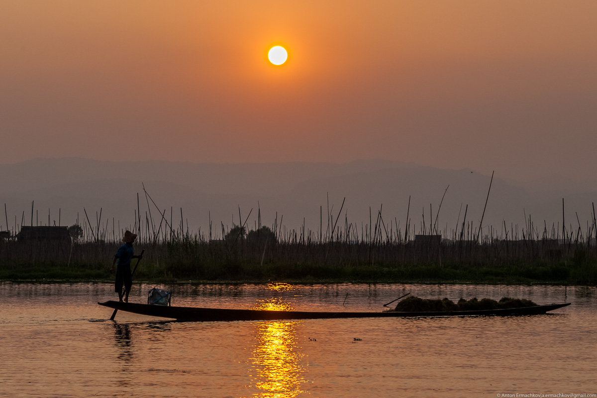 Burma. The fishermen of Inle lake 10