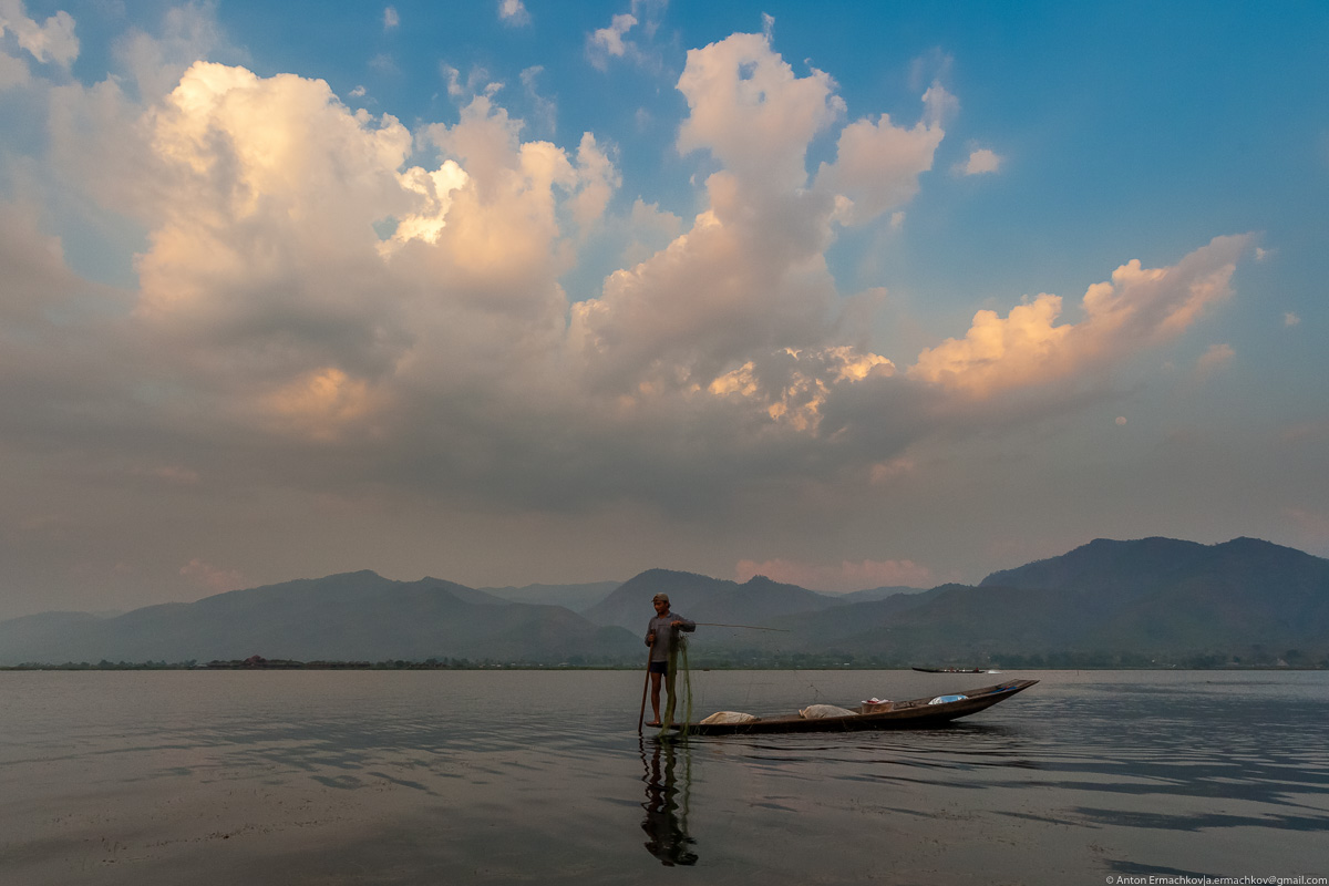 Burma. The fishermen of Inle lake 11