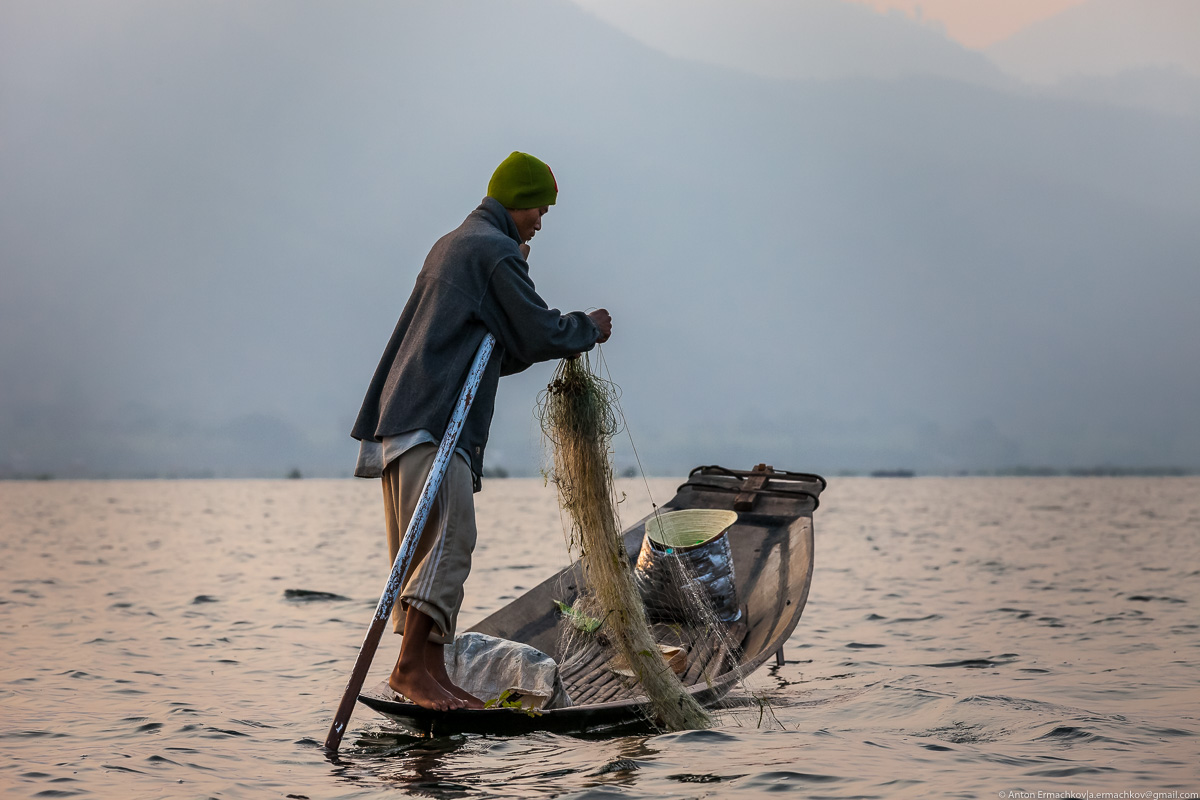 Burma. The fishermen of Inle lake 12