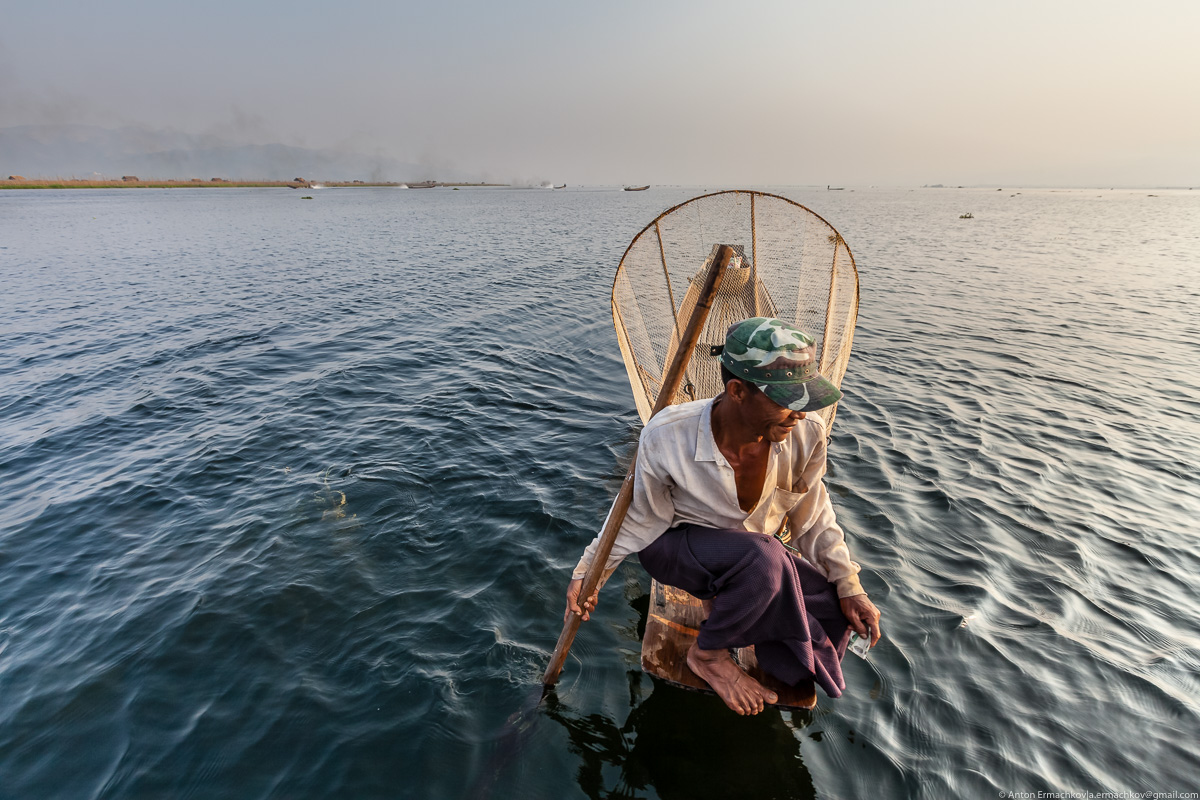 Burma. The fishermen of Inle lake 16