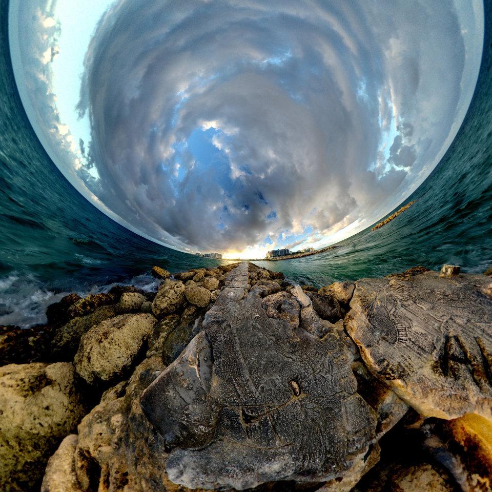 Circular panoramas by Randy Scott Slavin that fascinate 02