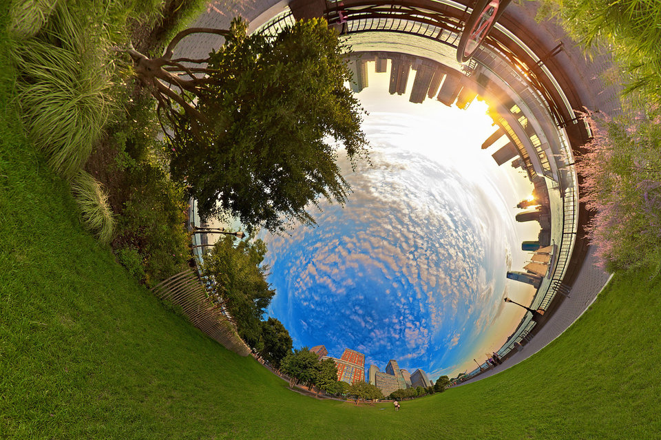 Circular panoramas by Randy Scott Slavin that fascinate 14