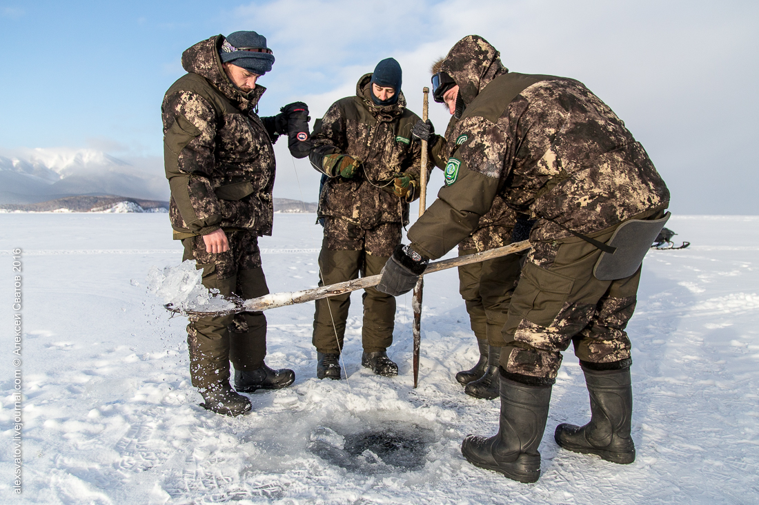 Fighting the poachers on lake Baikal 02