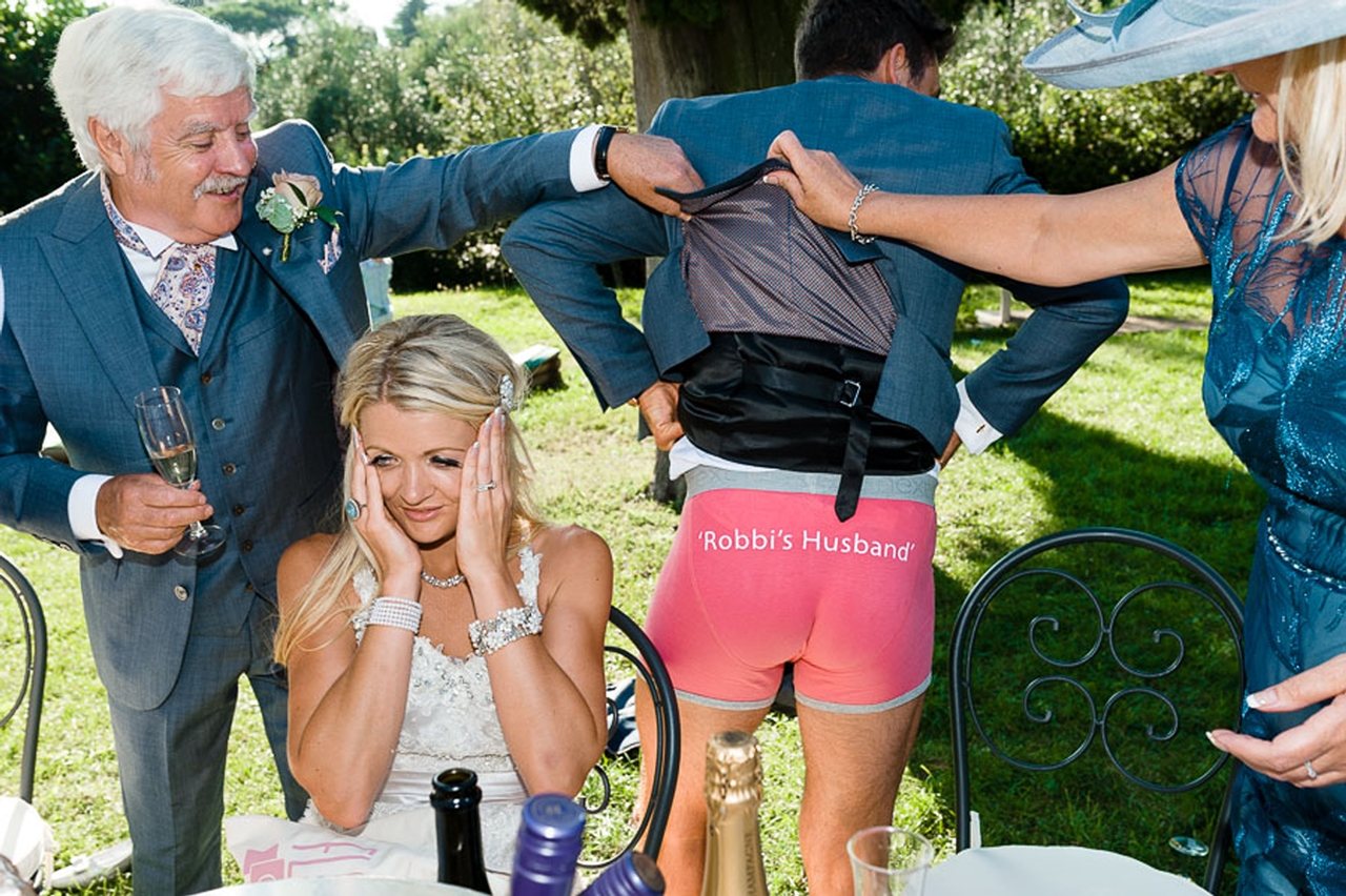Funniest Wedding Photos of 2015_11
