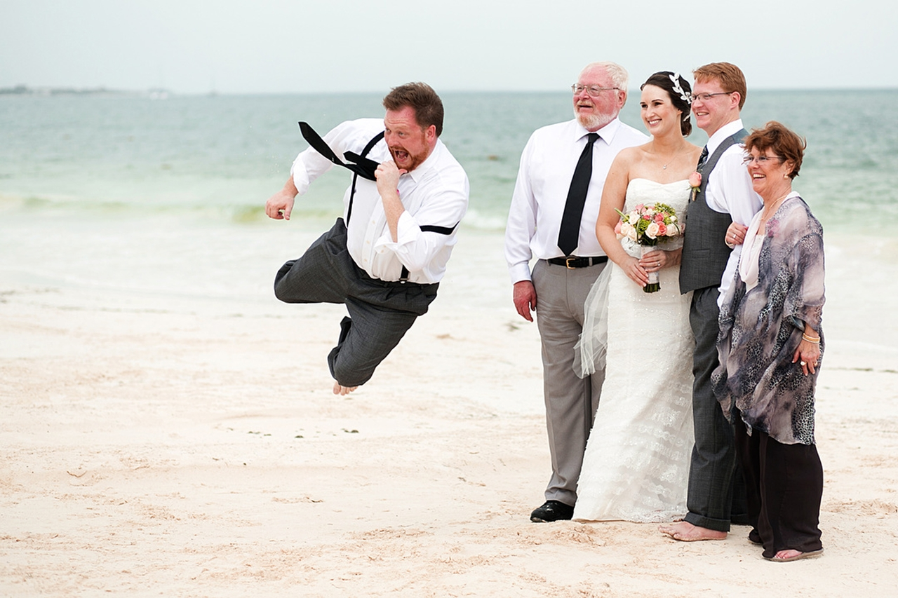 Funniest Wedding Photos of 2015_22