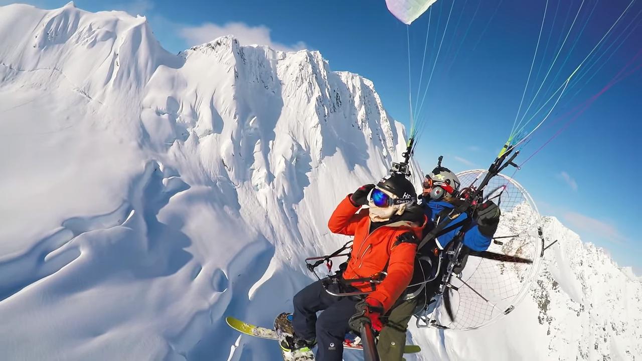 Красивое видео необычной доставки экстремалов на вершины гор Аляски