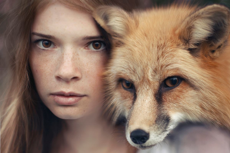 Harmony with nature in the portraits of girls with wild animals 09