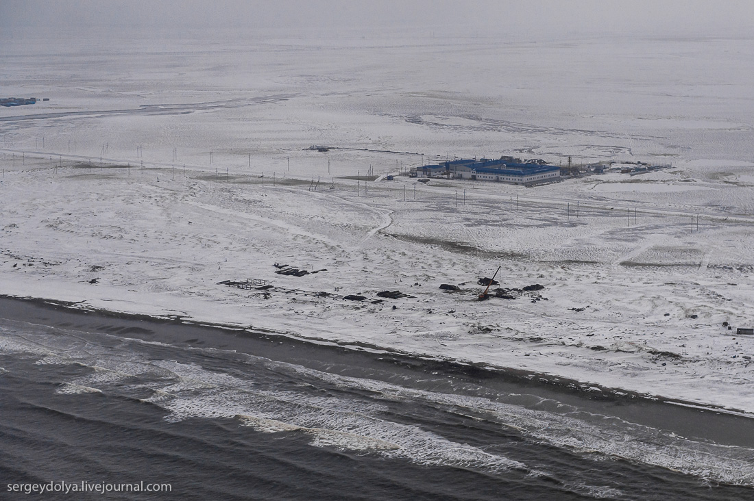 Helicopter flight Varandey to Naryan - Mar 06