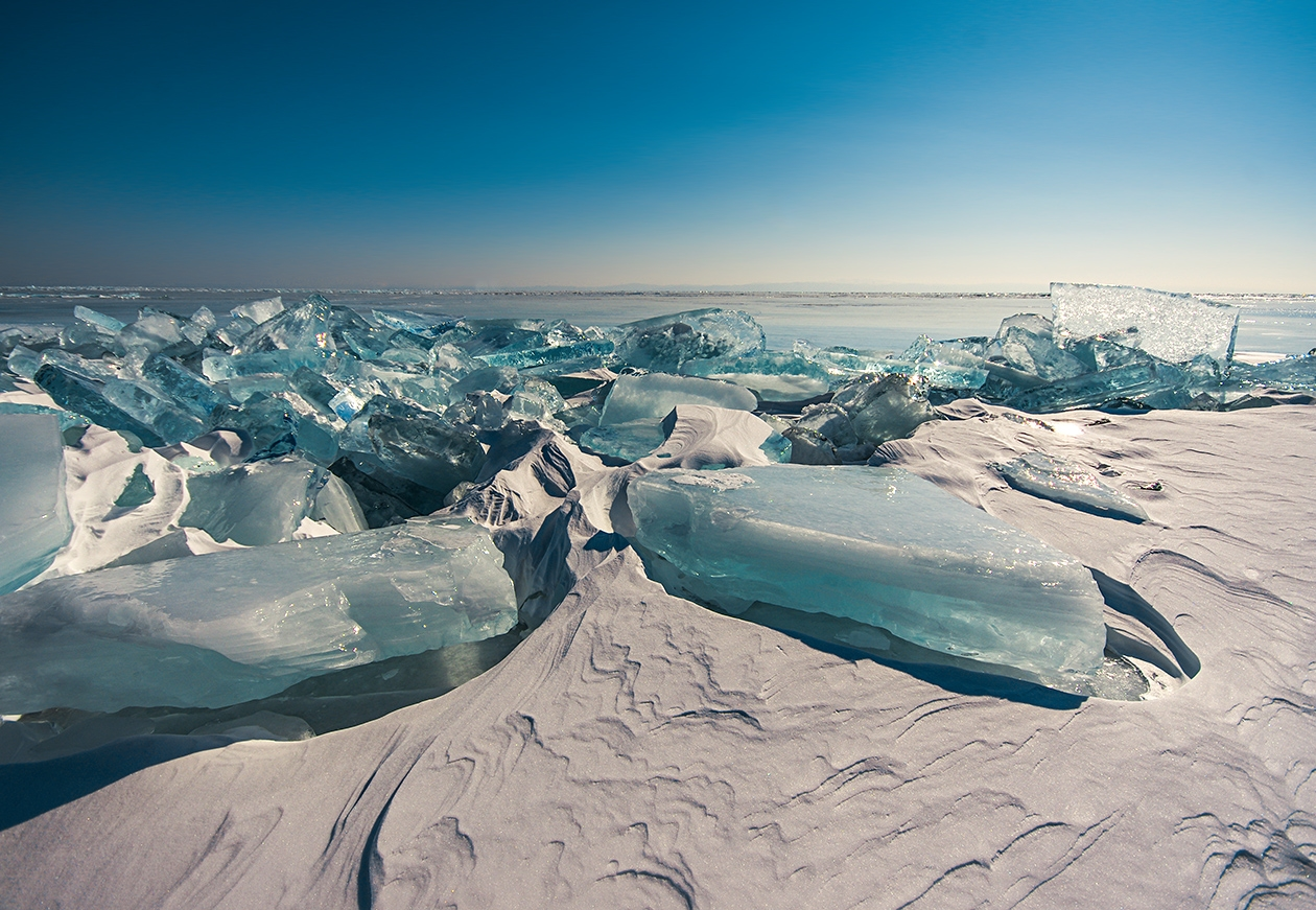 Icy wonders of lake Baikal 01
