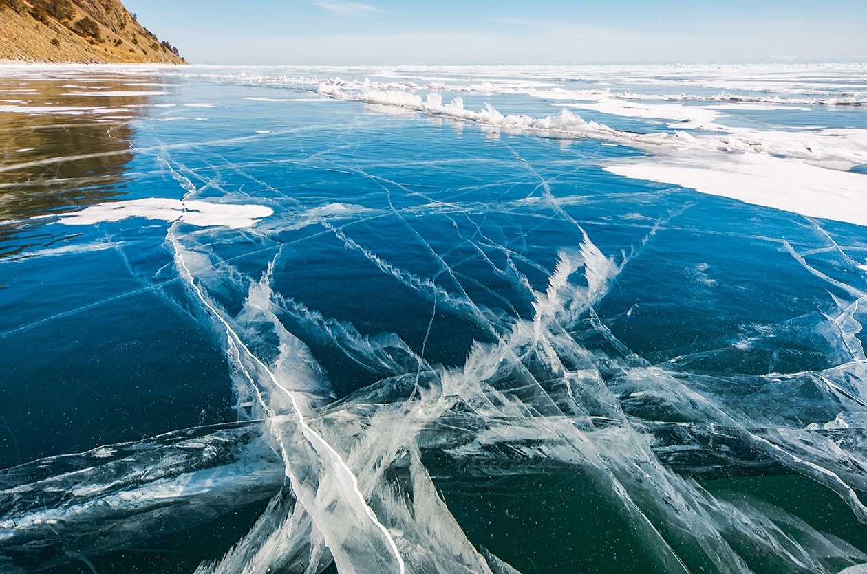 Icy wonders of lake Baikal 02