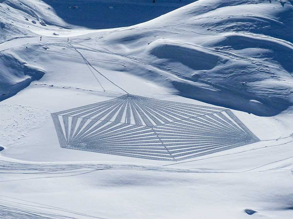 Large-scale geometric patterns, trampled by Simon Beck in the snow and sand 05