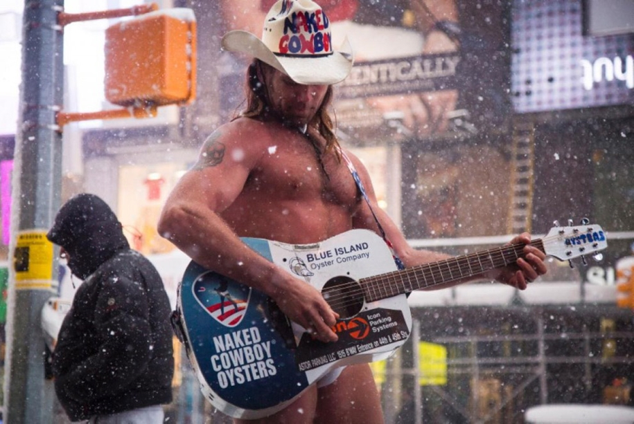 New York got snowed in 32