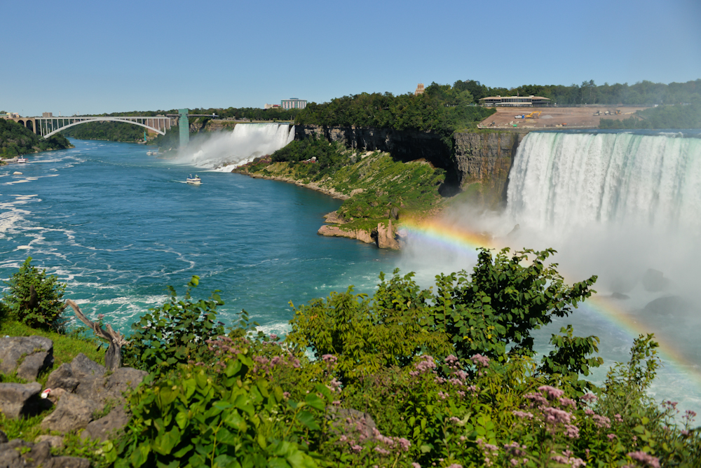 Niagara falls and its surroundings 14