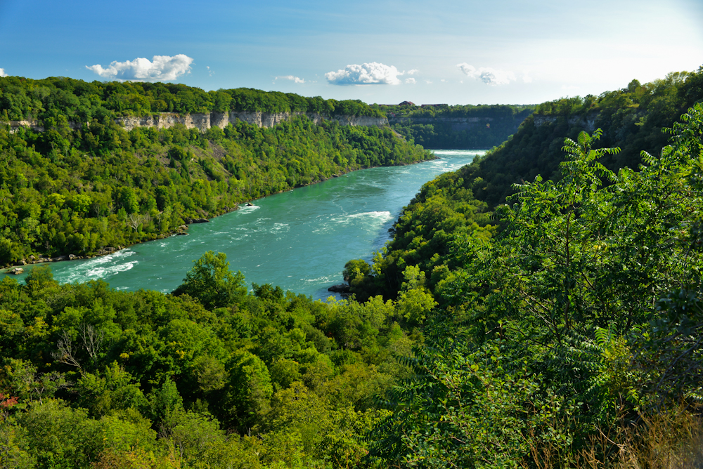 Niagara falls and its surroundings 17