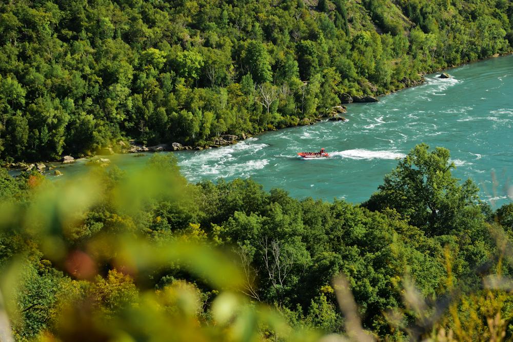 Niagara falls and its surroundings 18