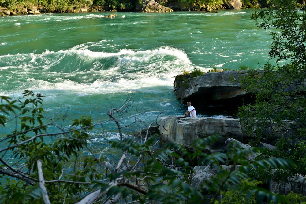 Niagara falls and its surroundings 20