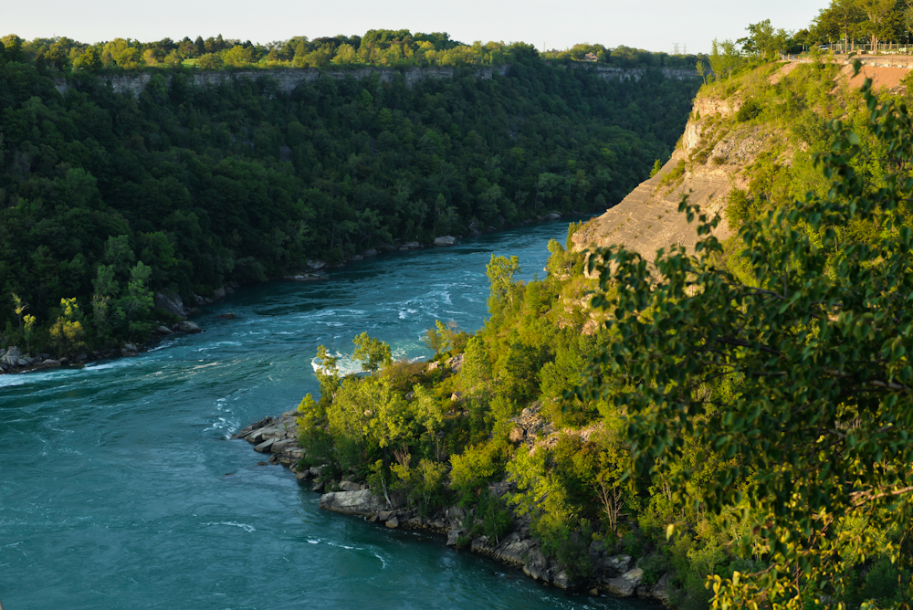 Niagara falls and its surroundings 25
