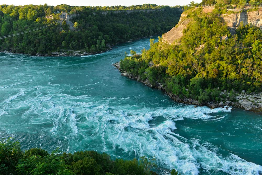 Niagara falls and its surroundings 27