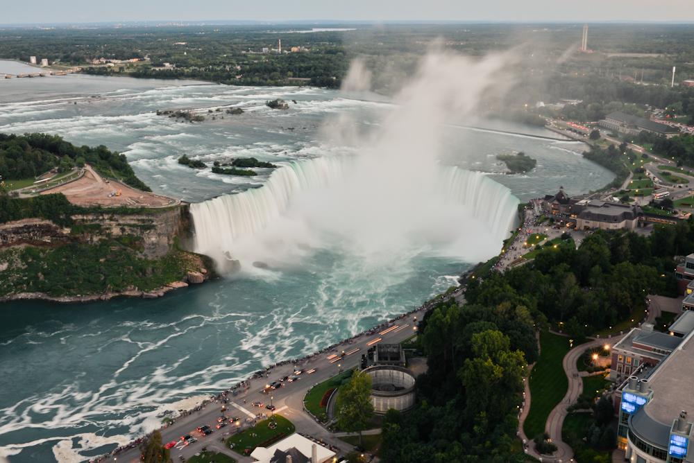 Niagara falls and its surroundings 28