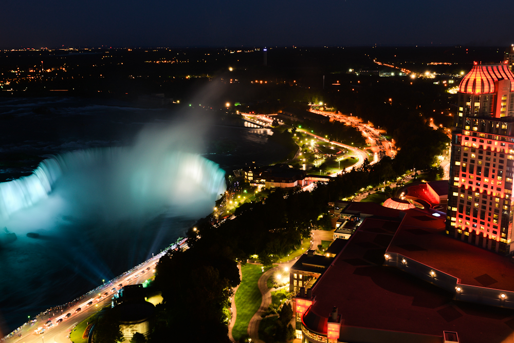 Niagara falls and its surroundings 35