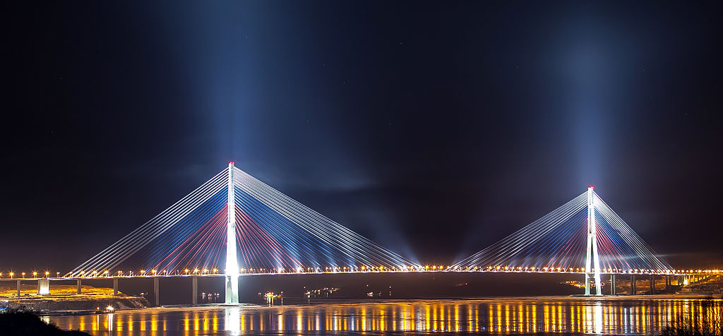Russian_bridge-_in_Vladivostok 01