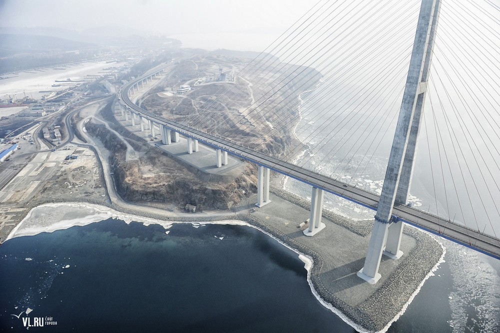 Russian_bridge-_in_Vladivostok 06