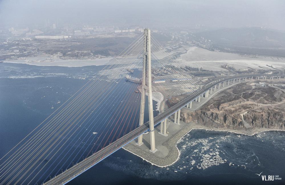 Russian_bridge-_in_Vladivostok 08