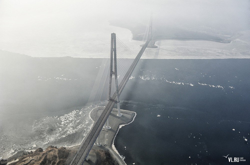 Russian_bridge-_in_Vladivostok 09