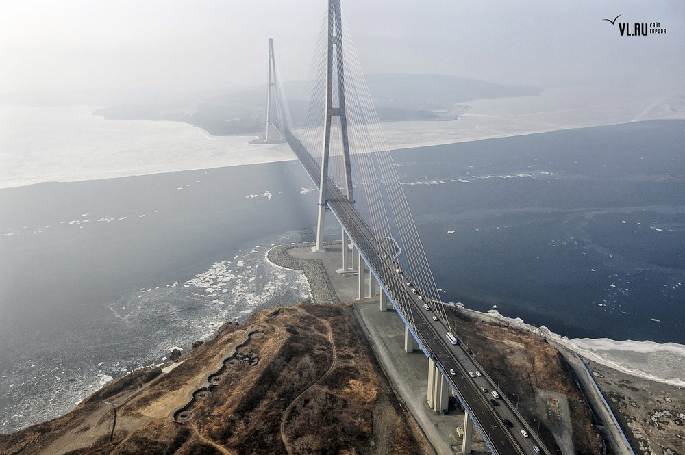 Russian_bridge-_in_Vladivostok 12