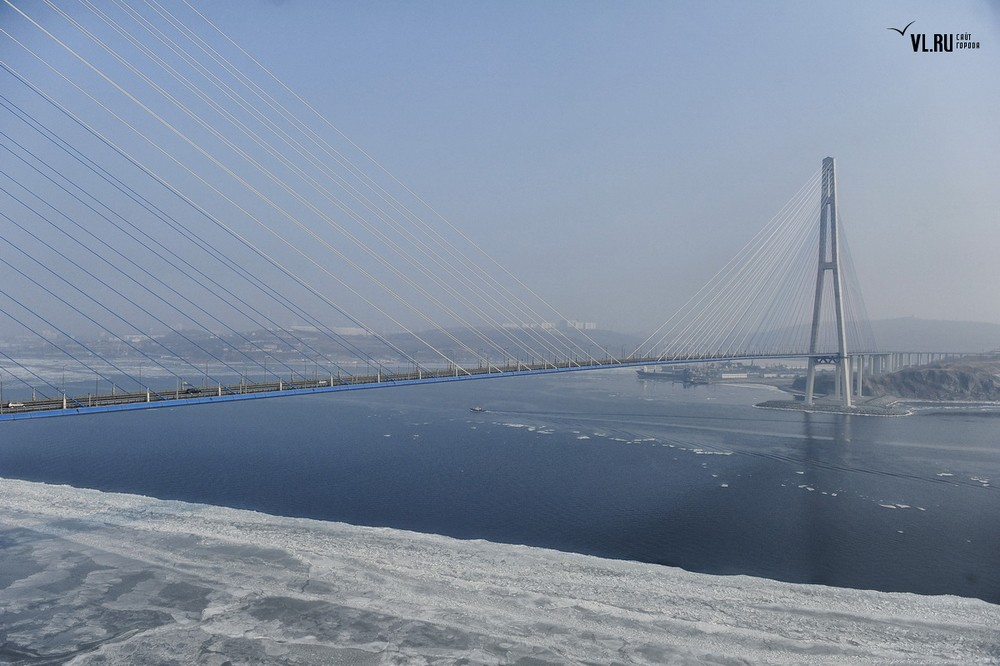 Russian_bridge-_in_Vladivostok 13