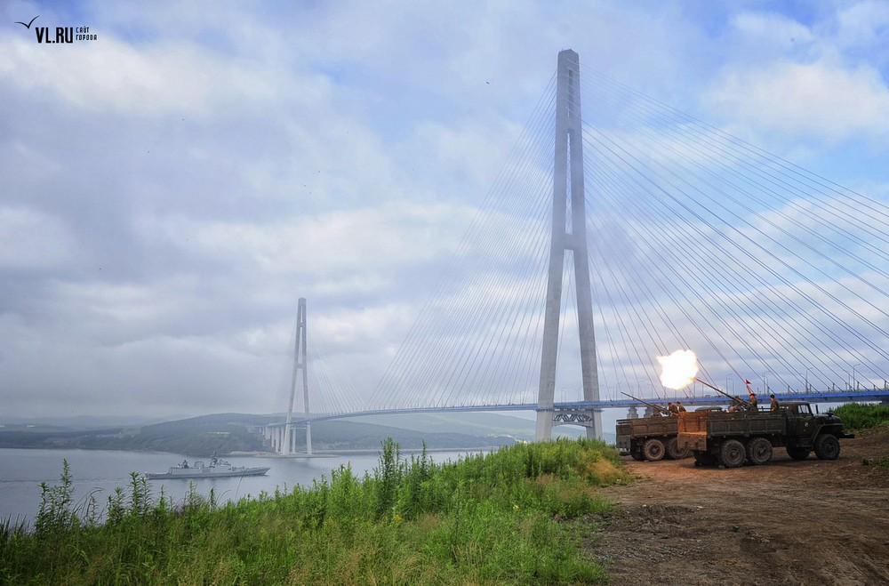 Russian_bridge-_in_Vladivostok 16