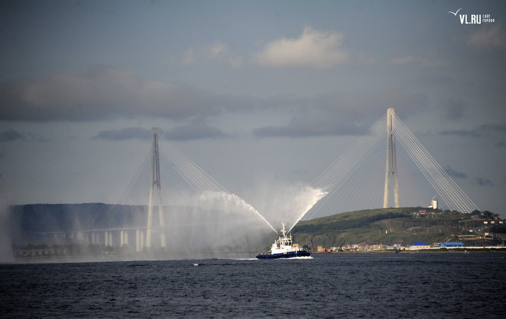 Russian_bridge-_in_Vladivostok 17