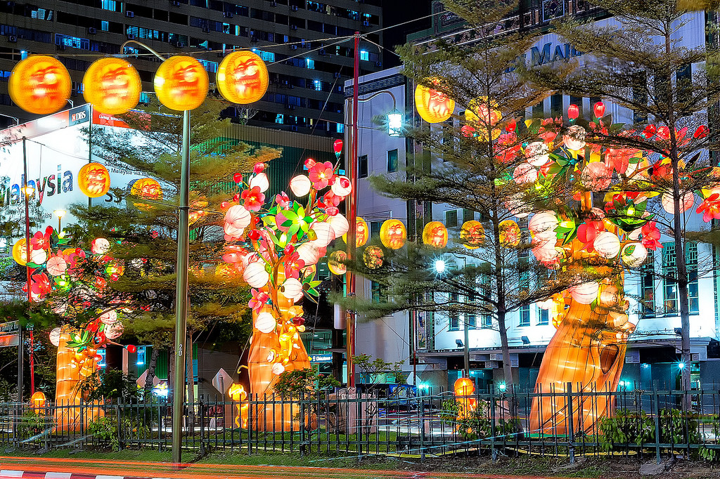 Singapore's Chinatown prepares for Chinese New Year 05