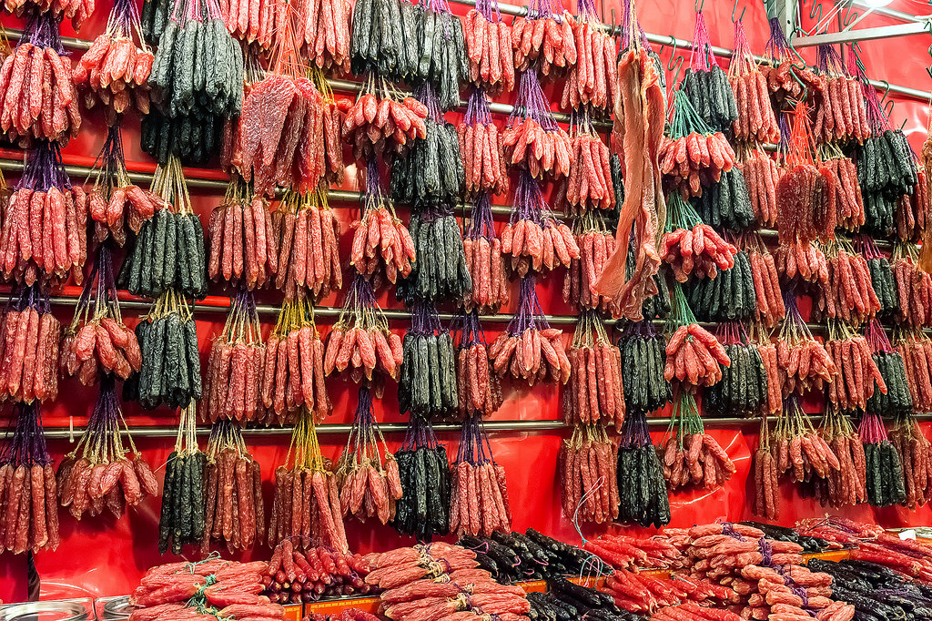 Singapore's Chinatown prepares for Chinese New Year 09